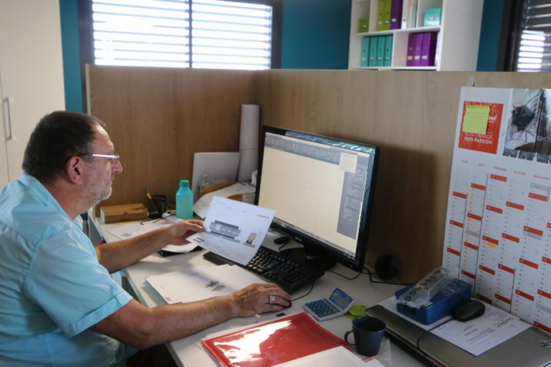 Technicien au bureau d'étude